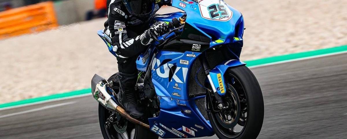 Max Schmidt fuhr mit seiner Suzuki auf dem Lausitzring auf der Überholspur.